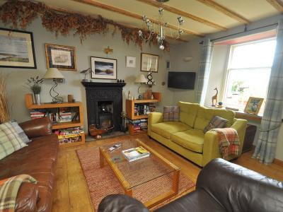 Living room photo 1