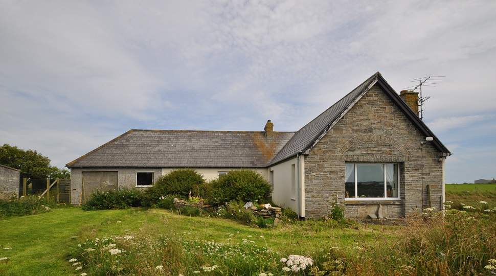 East Thrave Cottage, extending to 1.43 acres or thereby, Sanday, KW17 2AZ